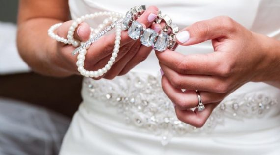 5 Tips For Picking Wedding Jewellery To Match Your Wedding Dress